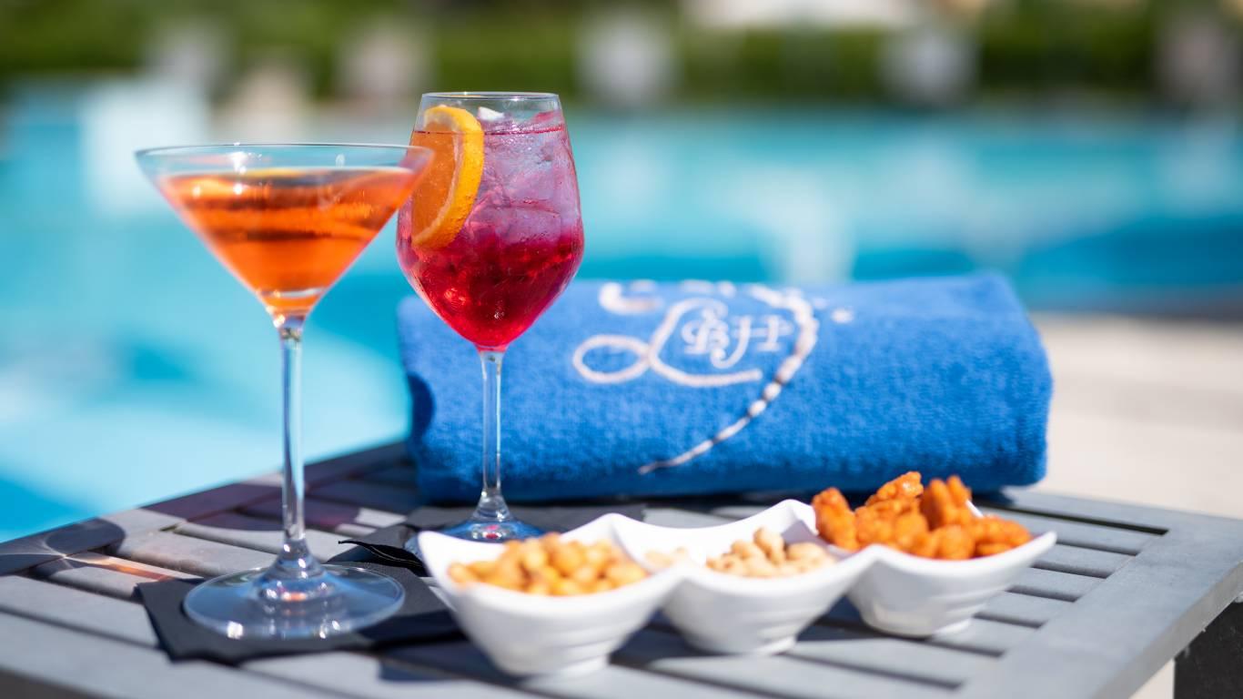 Ludwig-Boutique-Hotel-Bolsena-Details-Schwimmbad-Aperitif-CRI4657