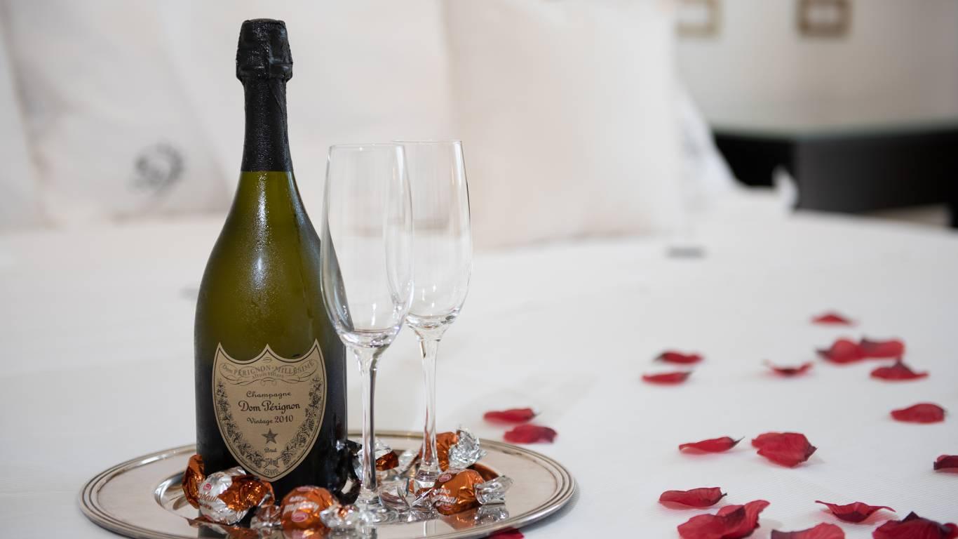 Ludwig-Boutique-Hotel-Bolsena-детали-комната-шампанское-CRI4756