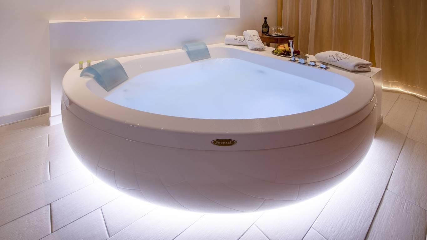 Ludwig-Boutique-Hotel-Bolsena-детали-ванну-джакузи-1-4