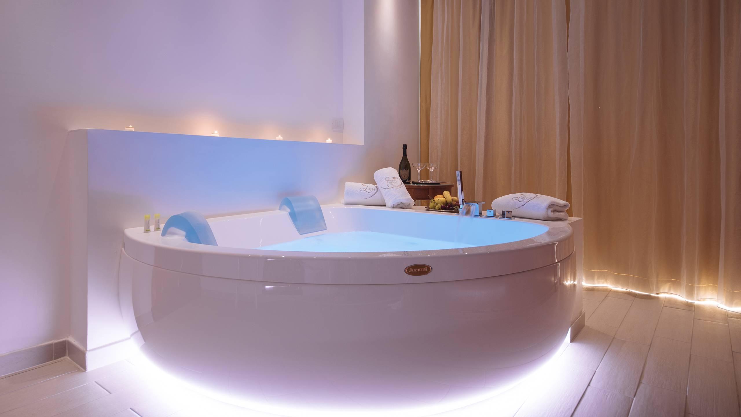 Ludwig-Boutique-Hotel-Bolsena-детали-ванну-джакузи-1-3