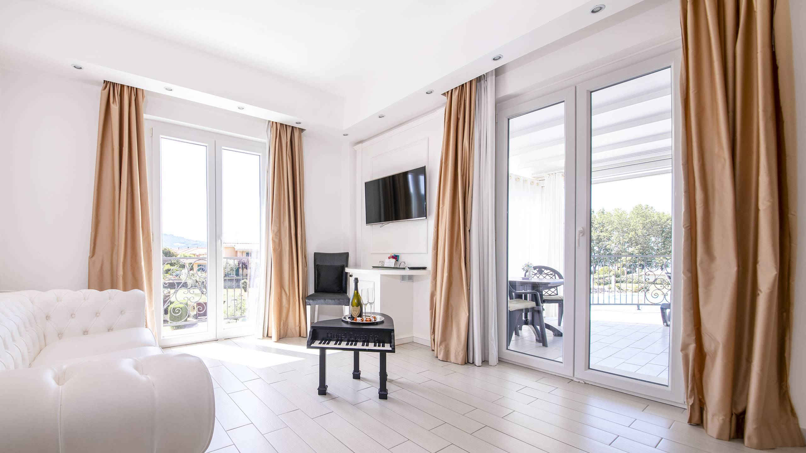 Ludwig-Boutique-Hotel-Bolsena-Zimmer-suite-deluxe-spa-1-5