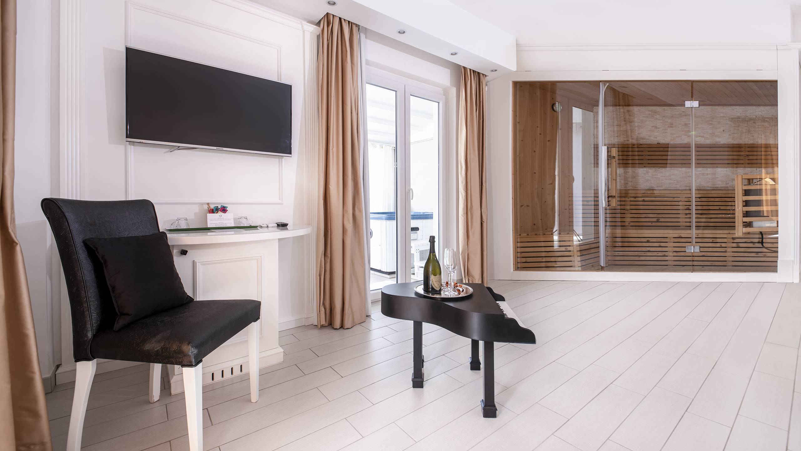 Ludwig-Boutique-Hotel-Bolsena-Zimmer-suite-deluxe-spa-1-6