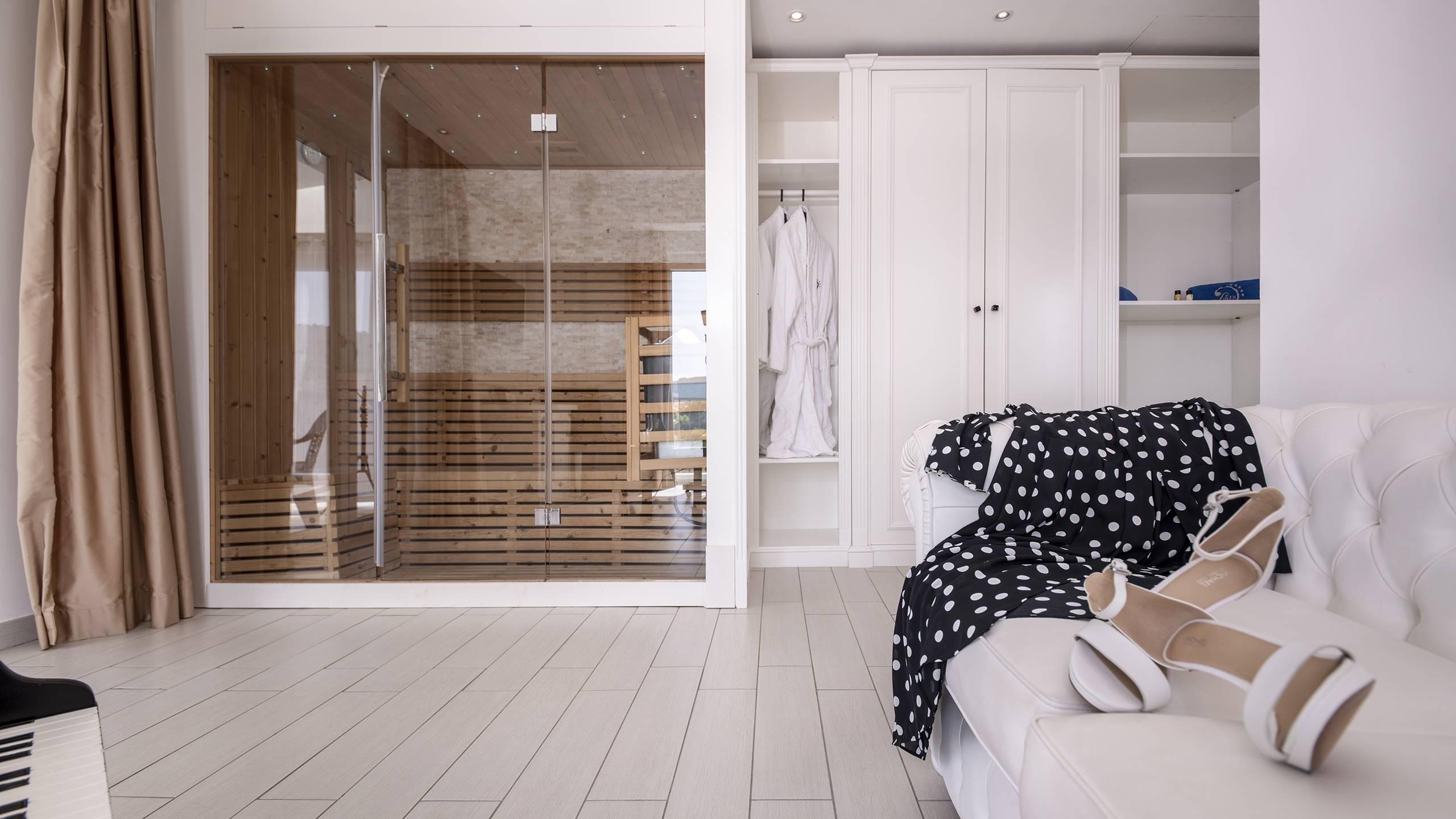 1-9--Suite-Ludwig-Hotel