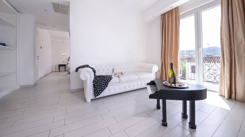 Ludwig-Boutique-Hotel-Bolsena-Zimmer-suite-deluxe-spa-1-7